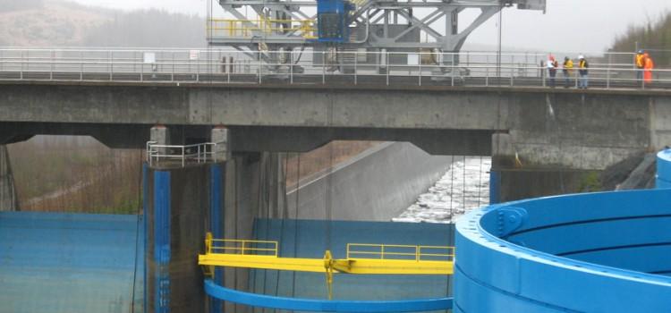 Custom Crane at Bennett Dam – John Deere Engine